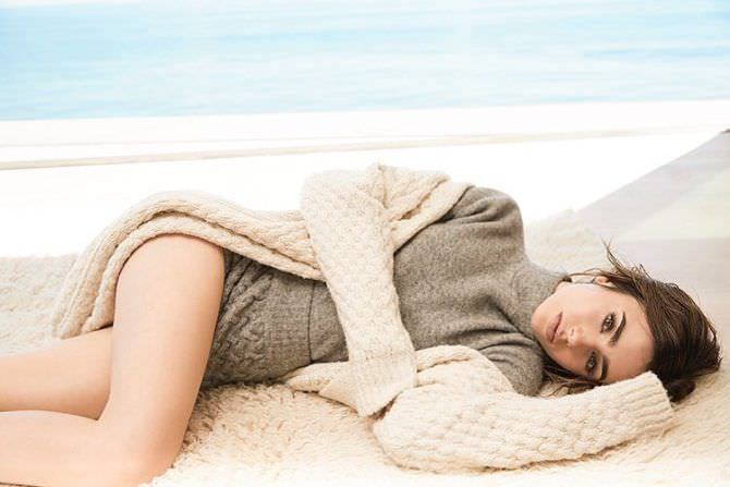 Лили Коллинз фото на пляже в инстаграм
