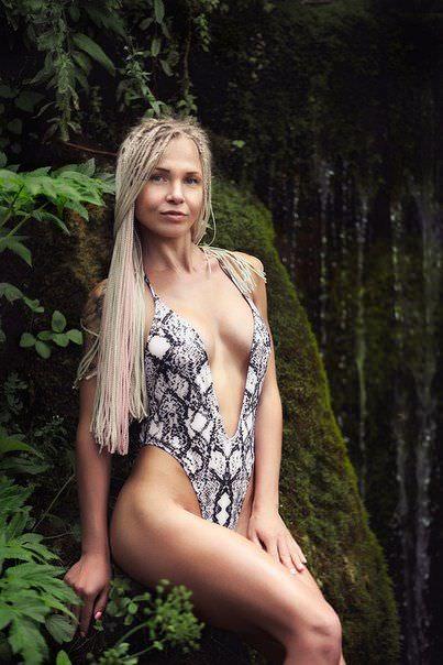 Любовь Томская фото в купальнике