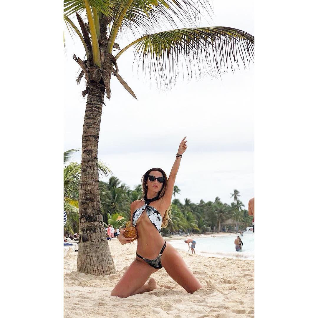 Тамара Турава фото на песке