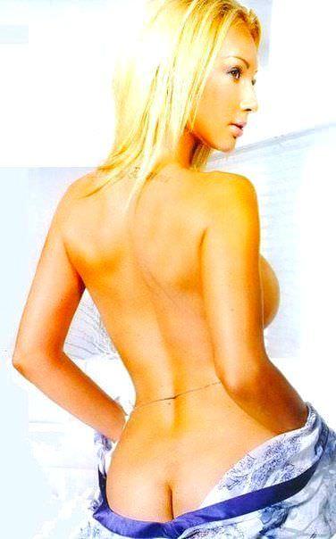Лера Кудрявцева фото со спины