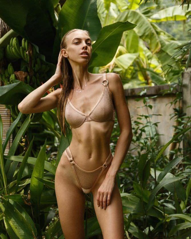 Надежда Сысоева фото в купальнике в инстаграм