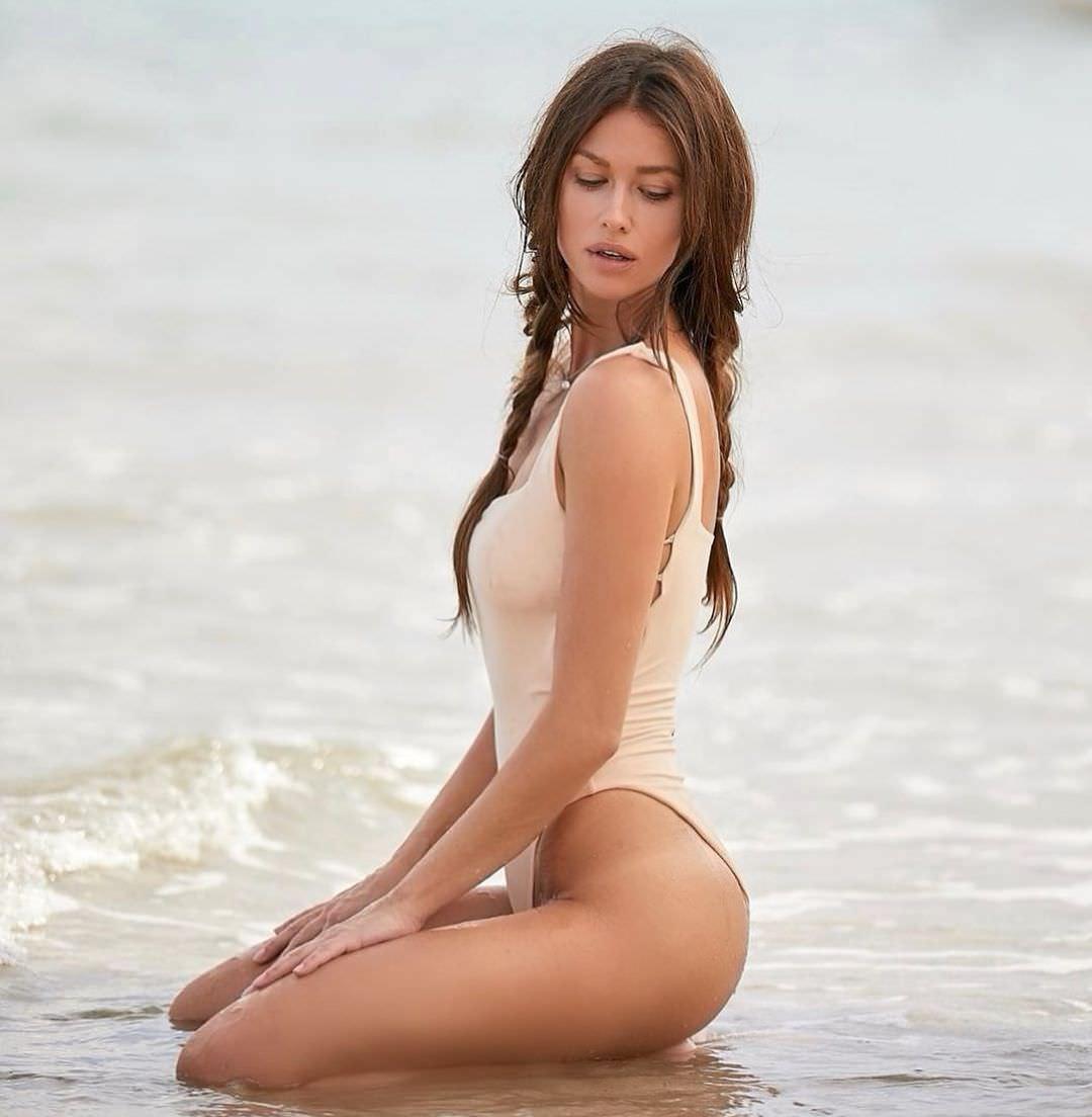 Анна Кастерова фото на море