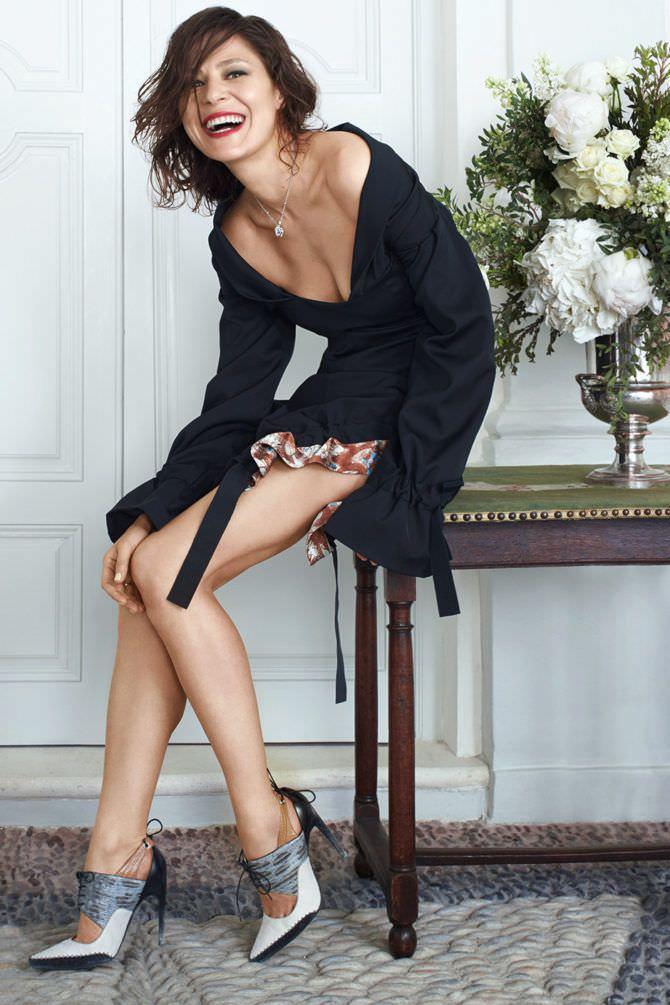 Елена Лядова фото в чёрной кофте