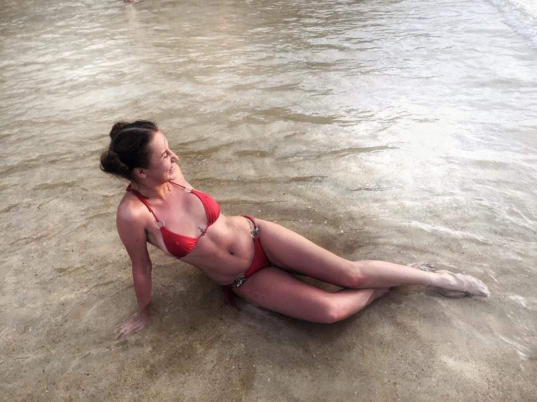 Анна Дзюба фото в воде
