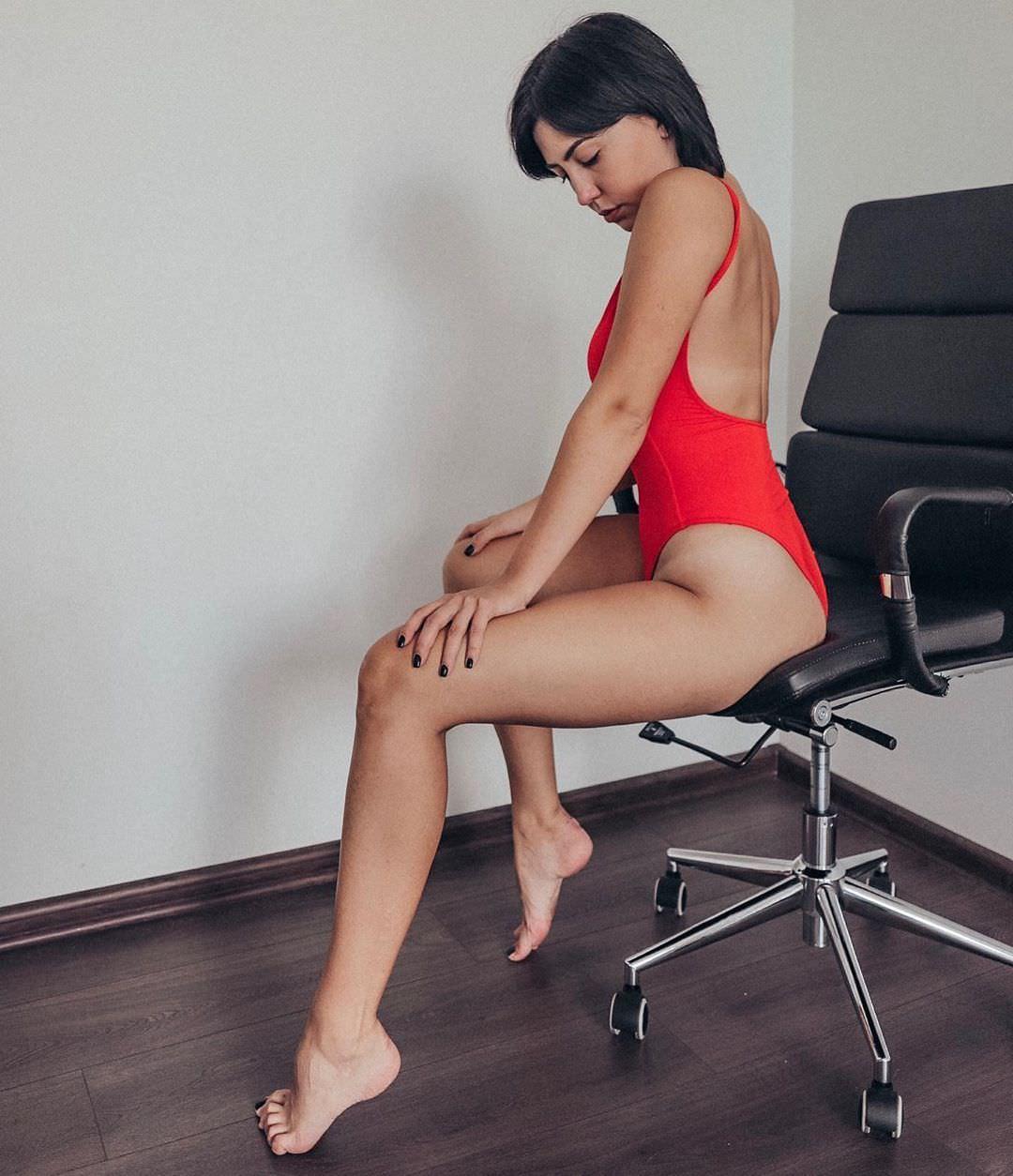 Ригина Гайсина фото на кресле
