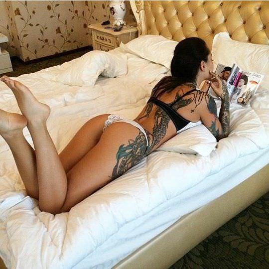 Анжелика Андерсон фото на кровати