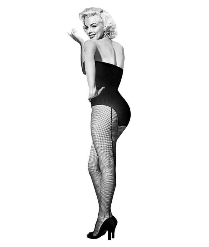 Мэрилин Монро фото в колготках о стрелками
