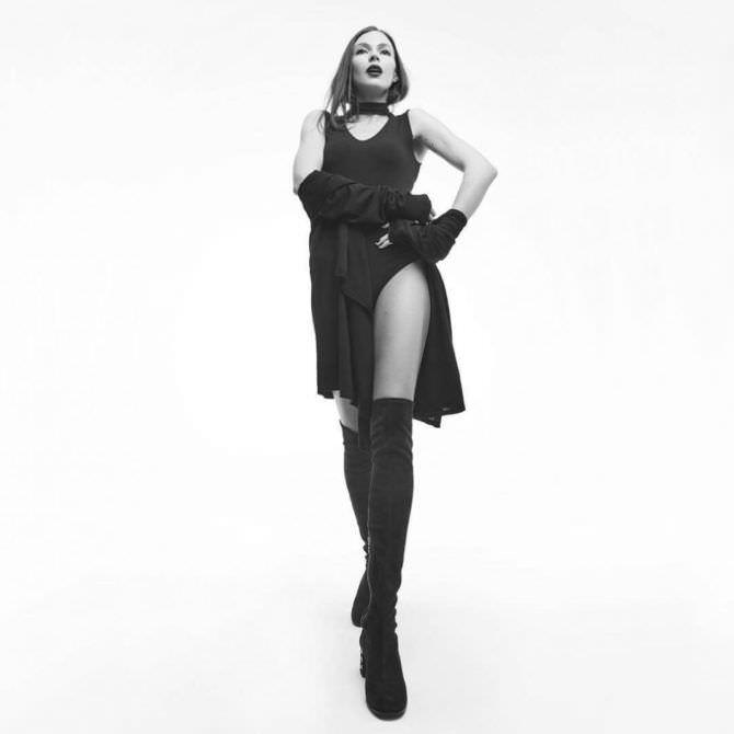Агния Дитковските фото в чёрном платье