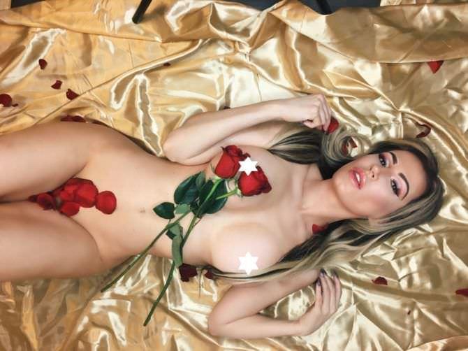 Ана Брага фотография с розами