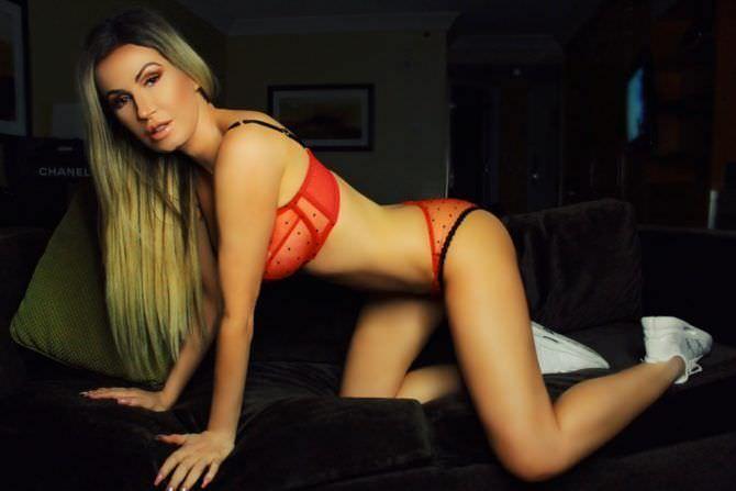 Ана Брага фото в красном белье