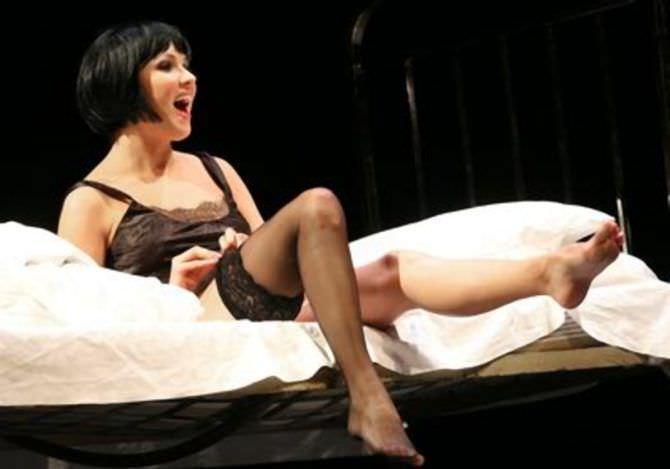 Анна Нетребко фотография в нижнем белье на сцене