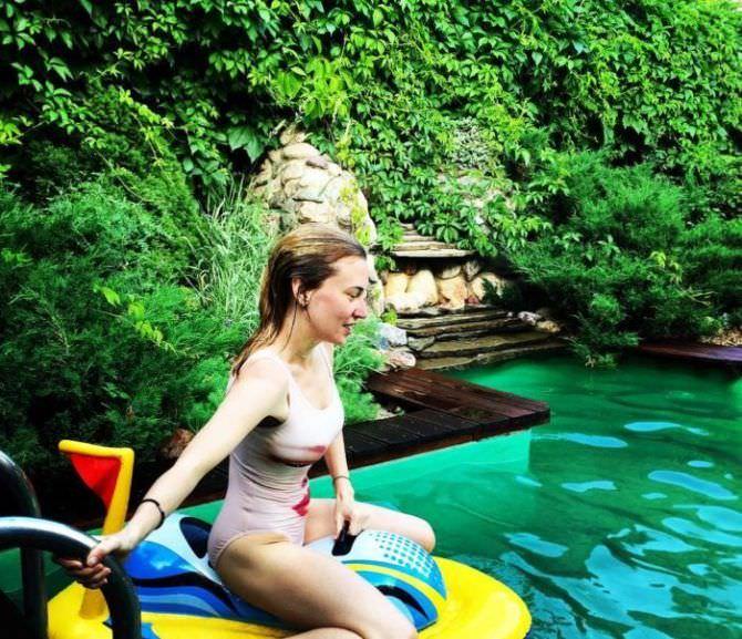 Анна Шепелева фото в купальнике на отдыхе