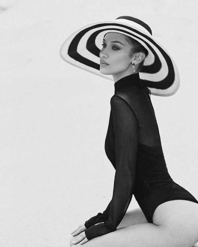 Белла Хадид фотосессия в полосатой шляпе