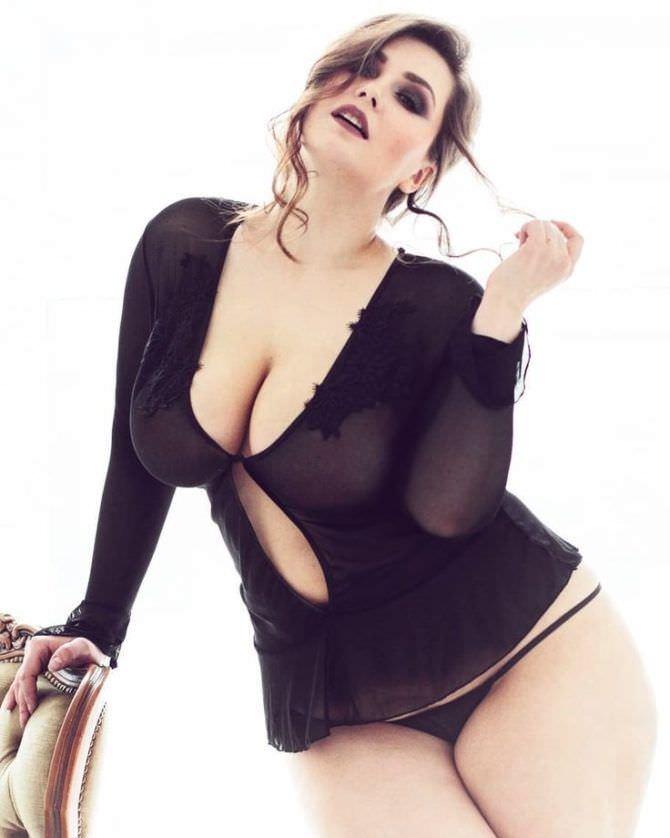 Светлана Каширова фото в трусиках и блузке