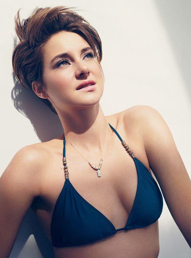 Шейлин Вудли фотография в синем бикини