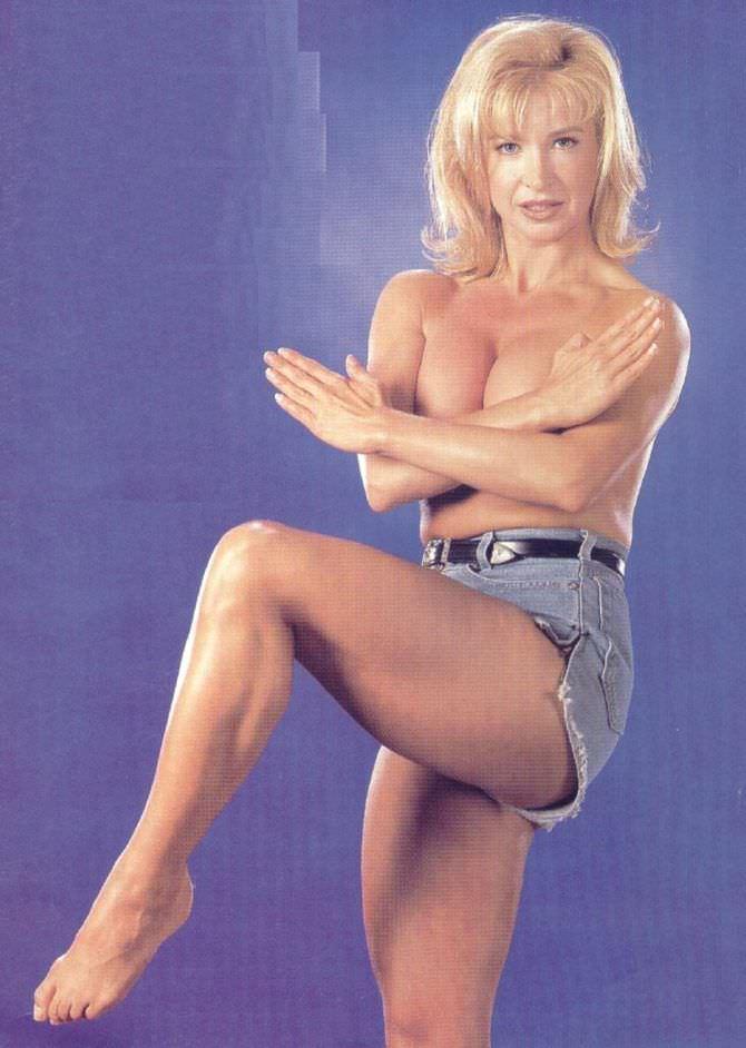 Синтия Ротрок фото в боевой стойке