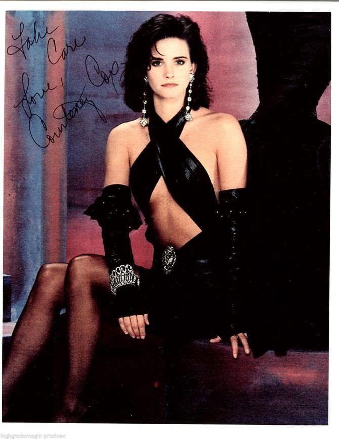 Кортни Кокс фото в откровенном платье