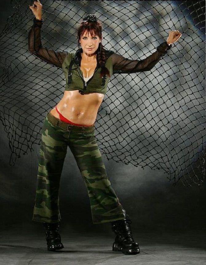Синтия Ротрок фото в комуфляжном костюме