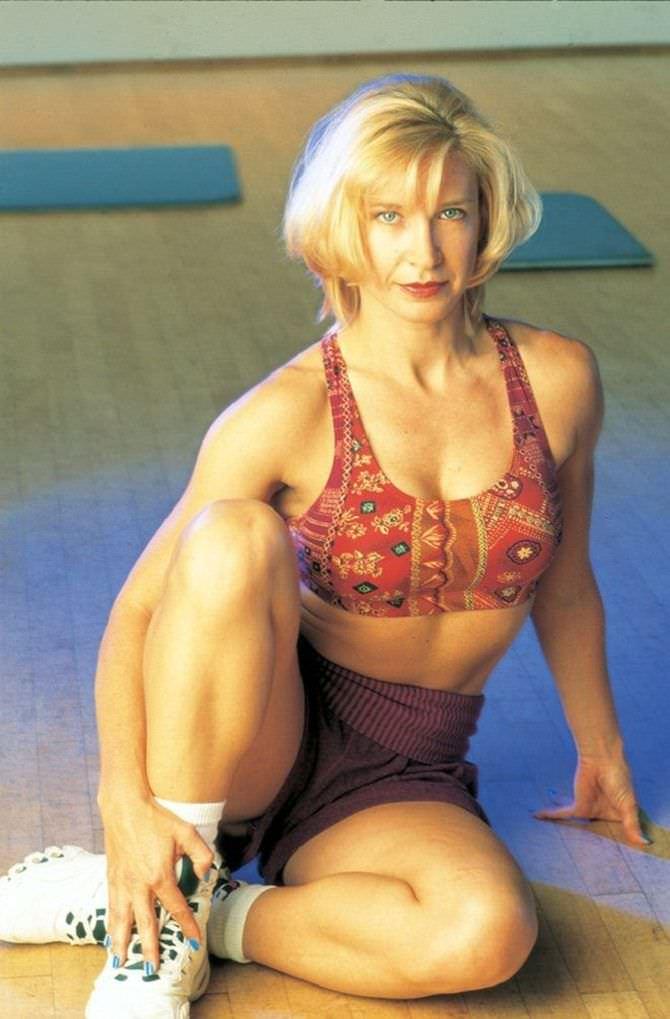 Синтия Ротрок фото в спортивном комплекте