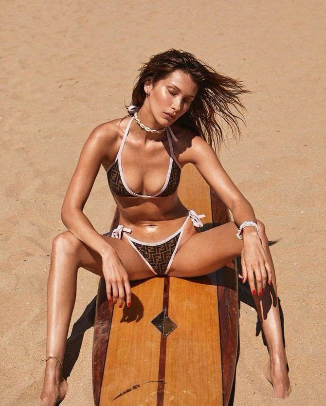 Белла Хадид фотосессия в бикини на пляже