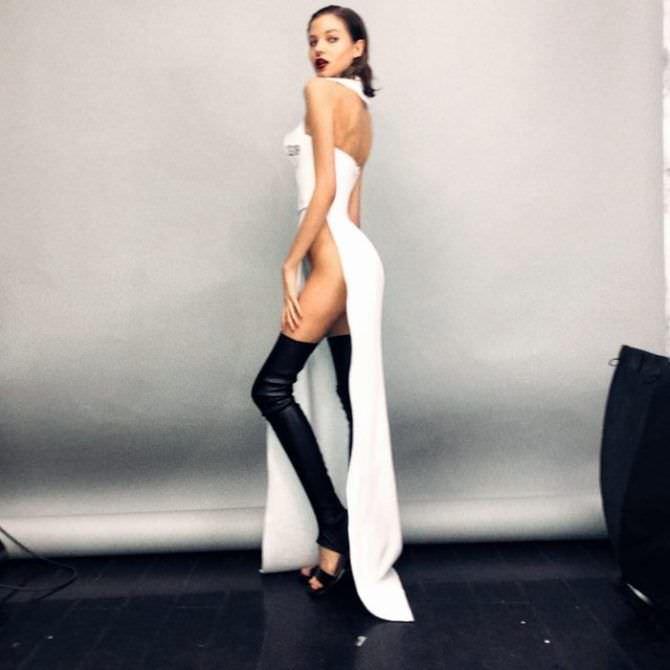 Алеся Кафельникова фотосессия в длинном платье