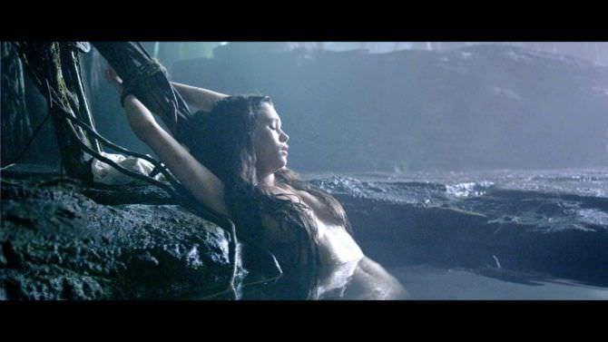 Астрид Берже-Фрисби кадр из фильма про пиратов