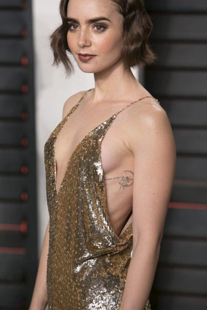 Лили Коллинз фото в золотом платье