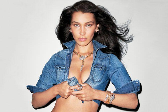 Белла Хадид фото в короткой джинсовке