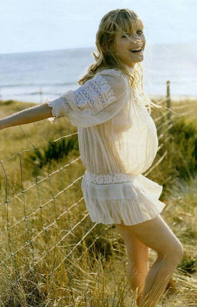 Мелани Лоран фотография в белом платье