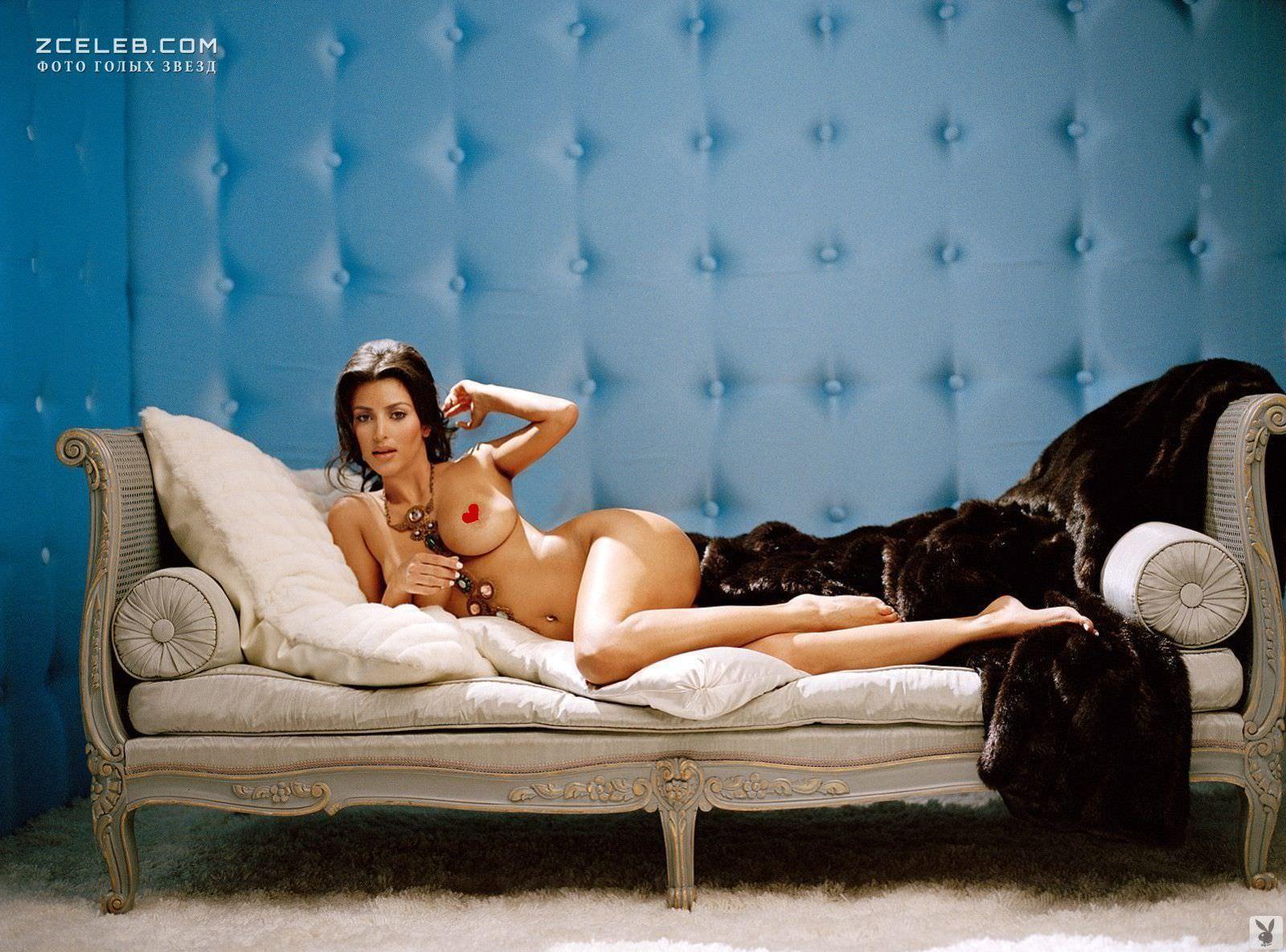 Ким Кардашян фото на диване