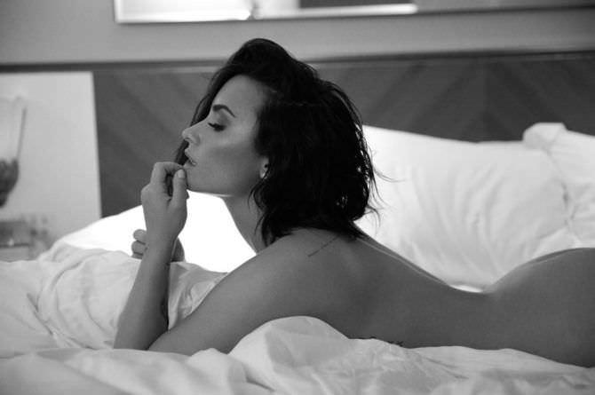 Деми Ловато скандальная фотосессия в постели