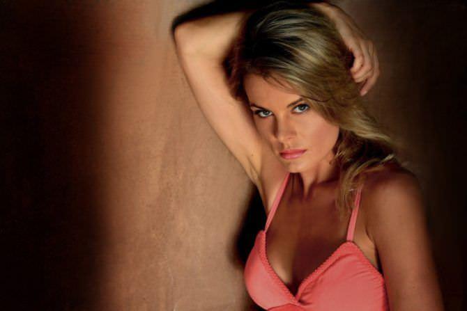 Наталья Дворецкая фото в розовой майке