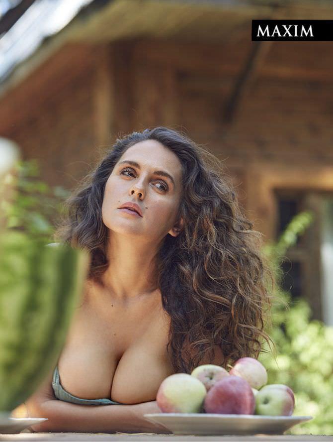 Мария Шумакова фотосессия в мужском журнале