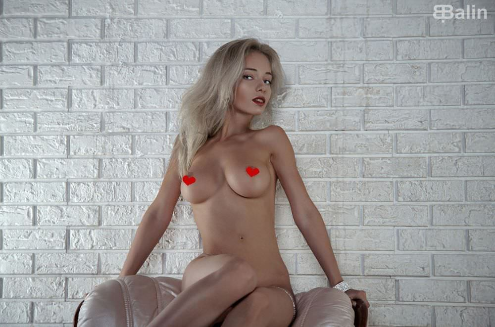 Наталья Немчинова фото на кресле