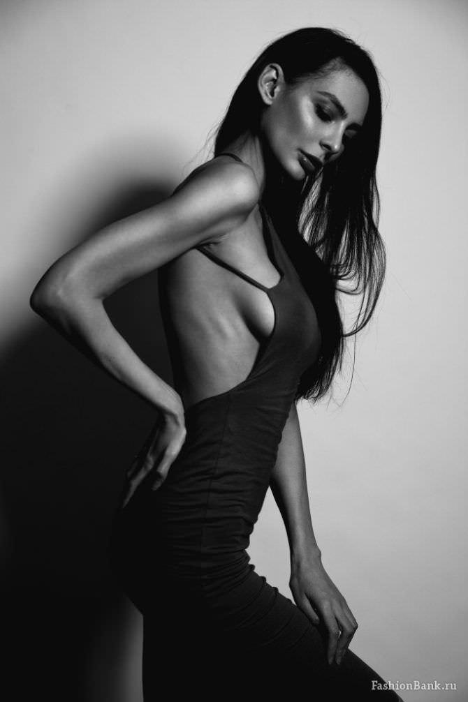 Ника Вайпер фото в откровенном платье