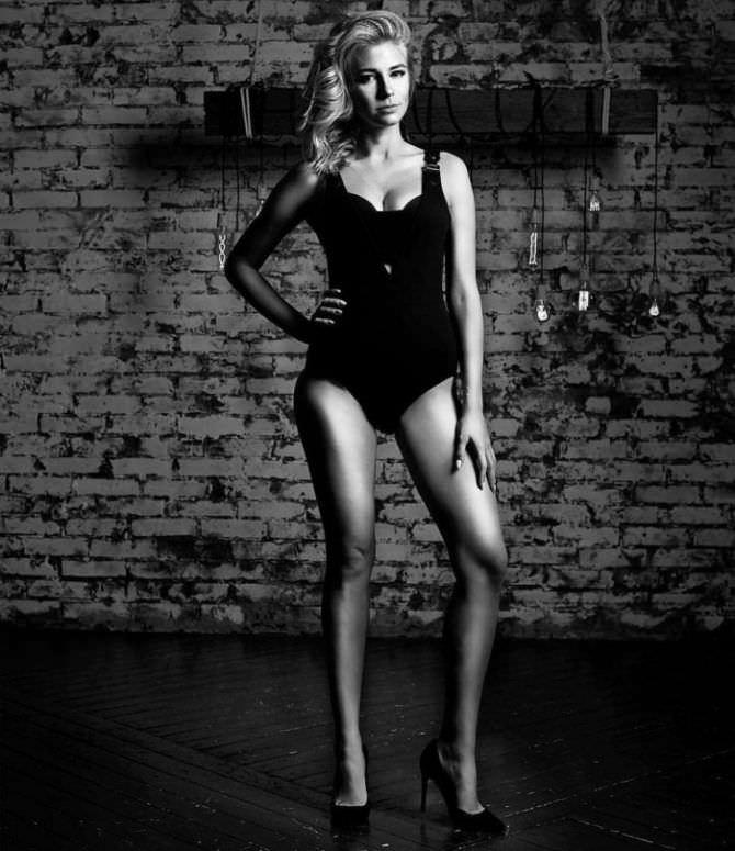 Ольга Вастикова фотография в чёрном купальнике