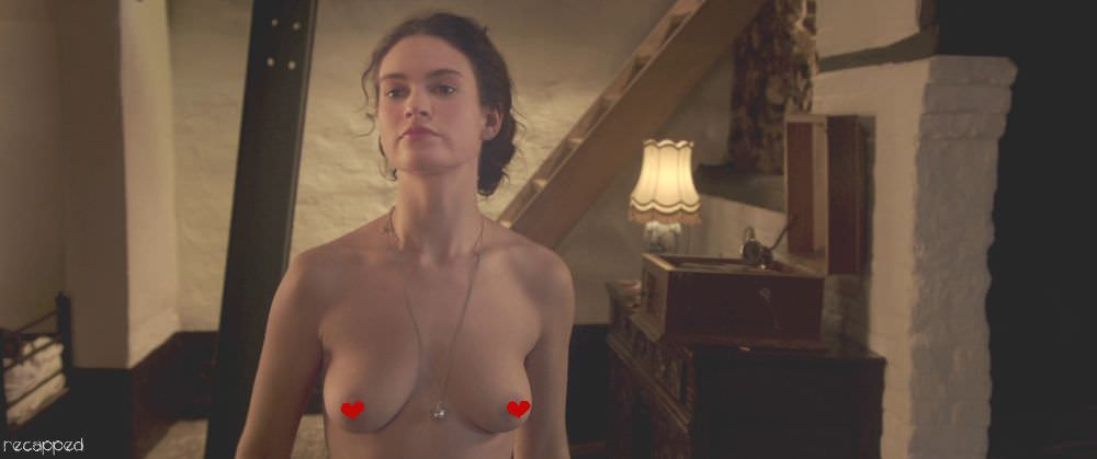 Лили Джеймс фото груди
