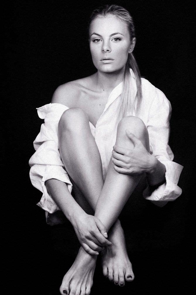 Наталья Дворецкая фотография в белой рубашке
