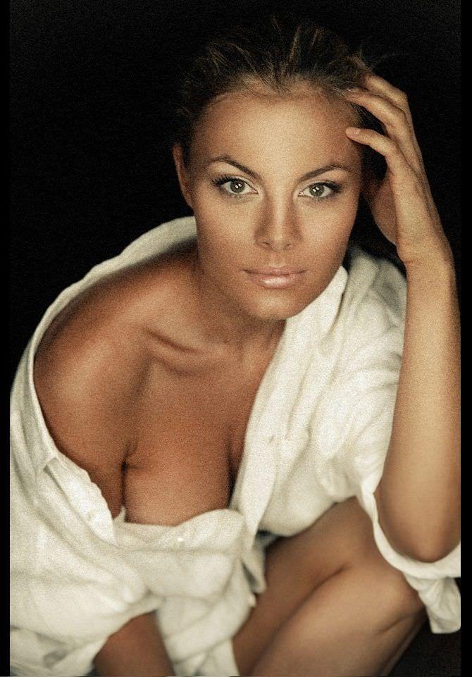 Наталья Дворецкая фото в расстёгнутой рубашке