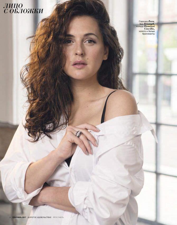 Мария Шумакова фото в белой рубашке