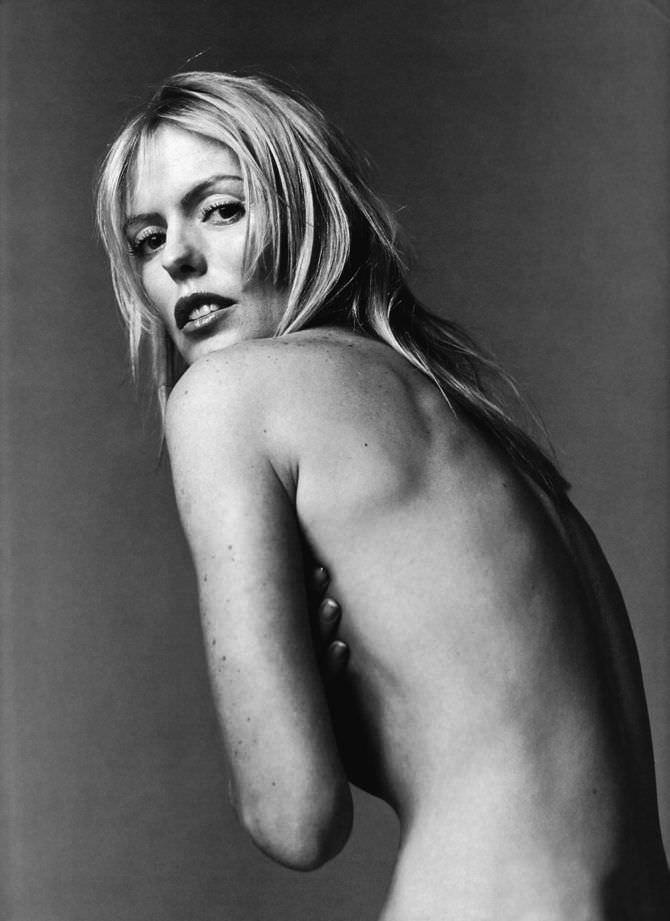 Пэтси Кенсит чёрно-белое откровенное фото