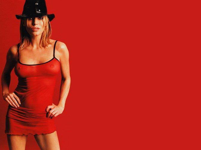 Пэтси Кенсит фотография в платье и шляпе