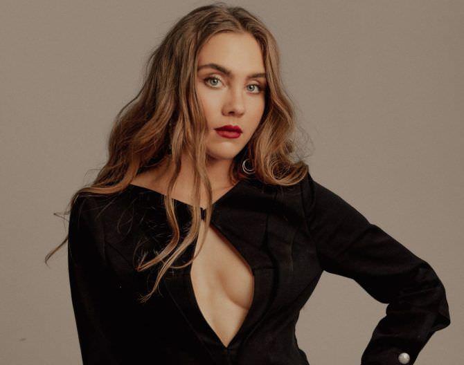 Дарья Пицик фото в чёрном платье