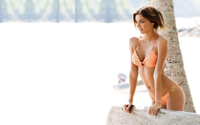 Миранда Керр фото в бикини нежного цвета