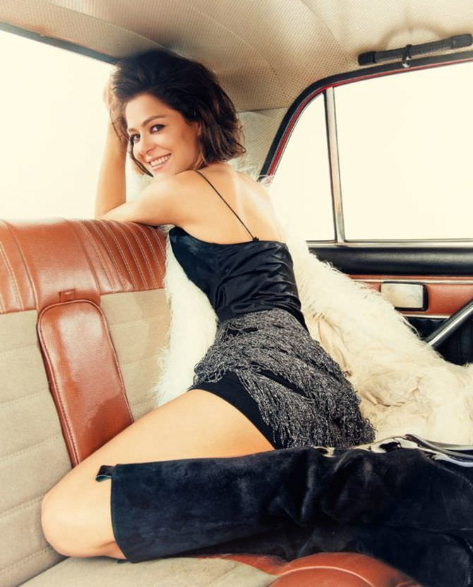 Елена Лядова фотогафия на заднем сиденье
