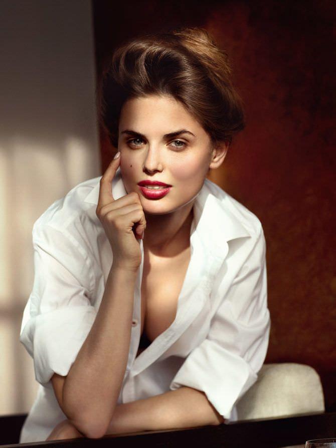 Нелла Стрекаловская фотография в белой рубашке
