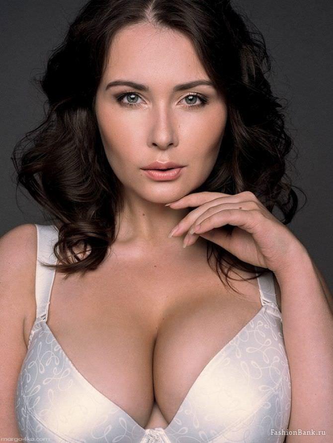 Светлана Каширова фото в белом бюстгалтере