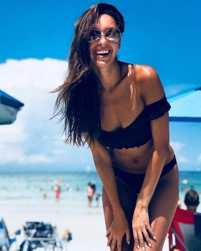 Татьяна Храмова фотография в чёрном купальнике