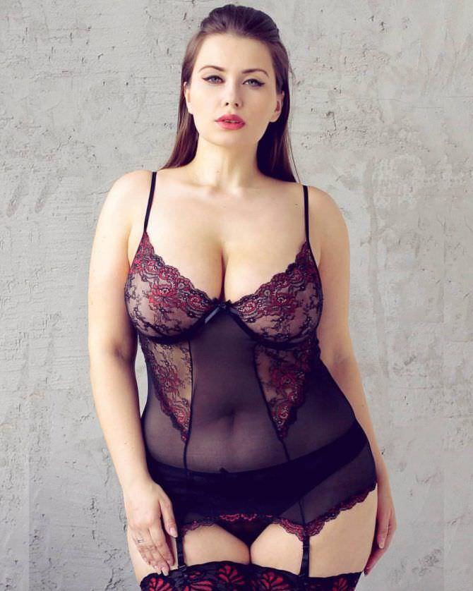 Светлана Каширова фото в красивом белье и чулках