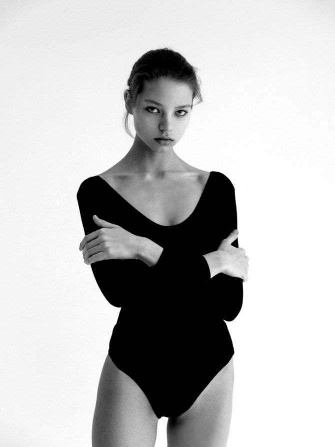Алеся Кафельникова фото в чёрном боди